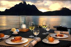 St. Regis great offer of Romantic Dinner