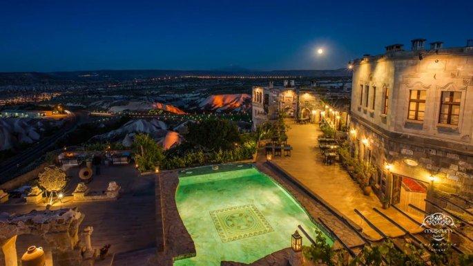 cappadocia night pool